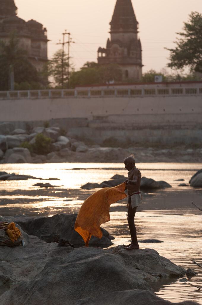 Sadhu washing