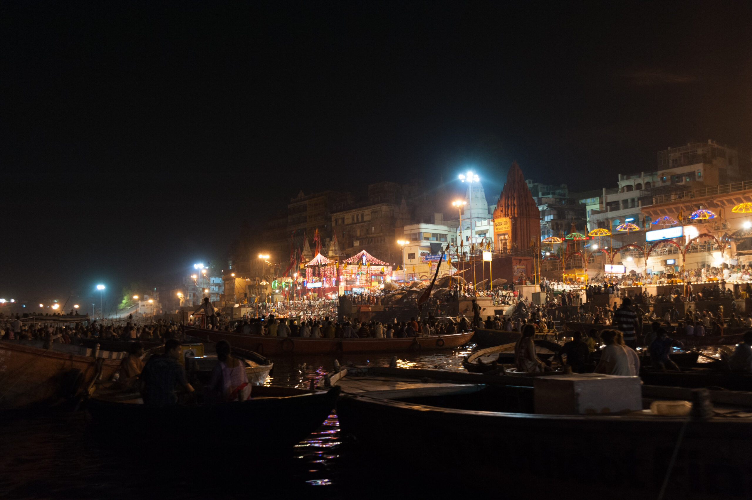 2012-04-IN-22-Varanasi – Feuerzeremonie