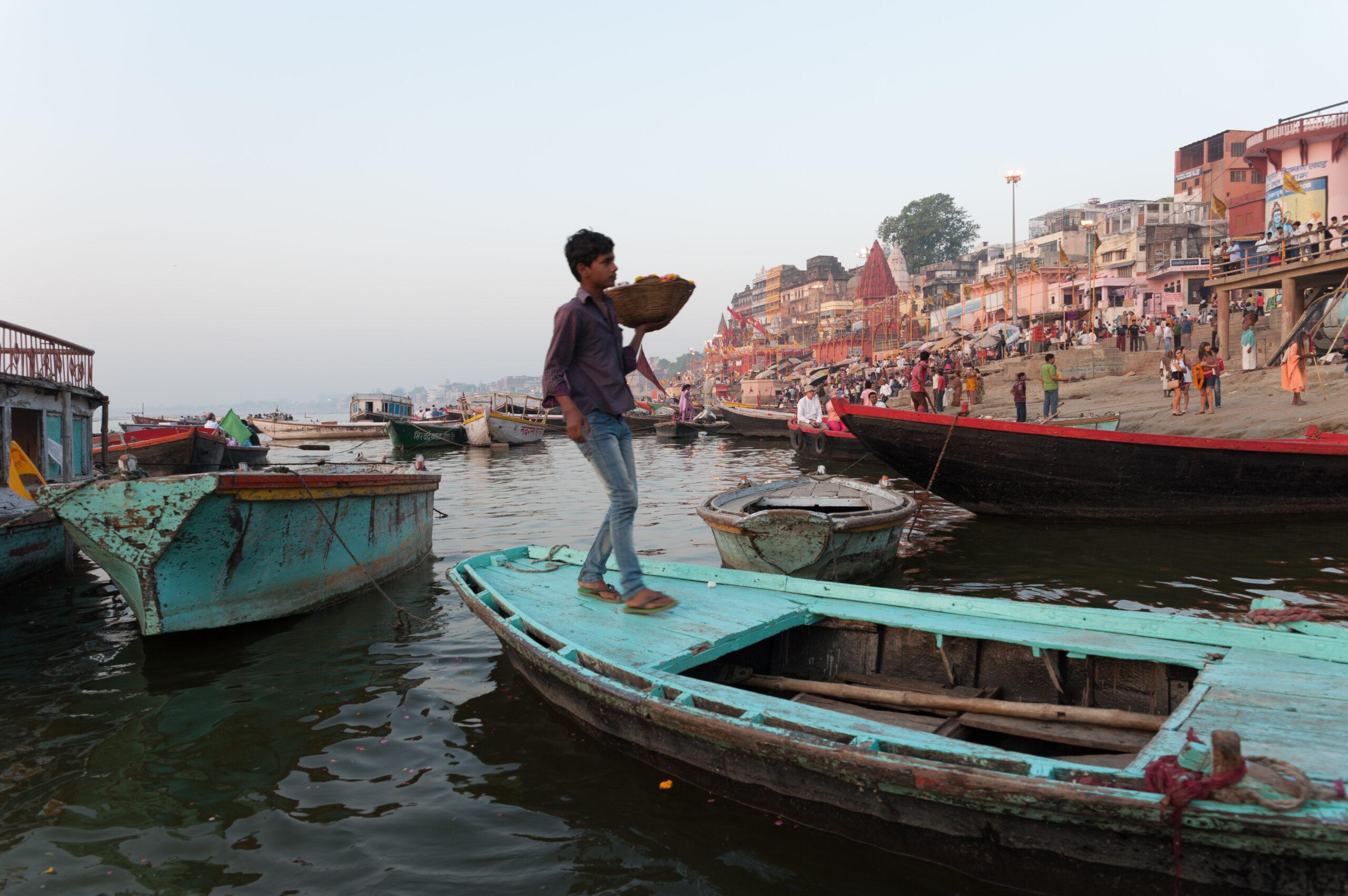 2012-04-IN-23-Morgens auf dem Ganges